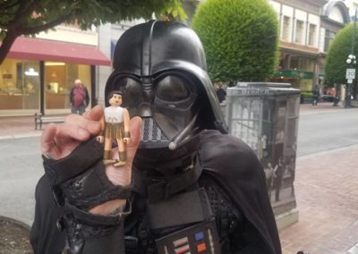 Jefe, and a street Darth Vader