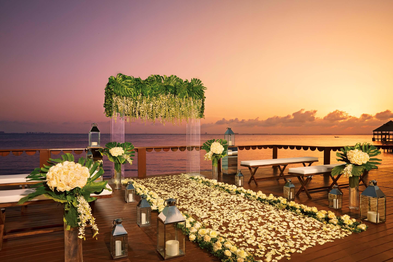Zoetry-wedding deck